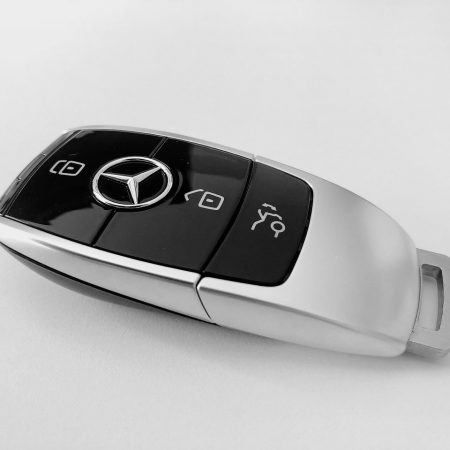 Kredyt samochodowy a gotówkowy – co się bardziej opłaca?