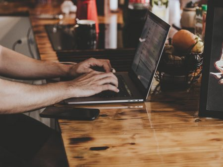 Pożyczki przez internet, chwilówki – o czym musisz wiedzieć, zanim pożyczysz pieniądze?