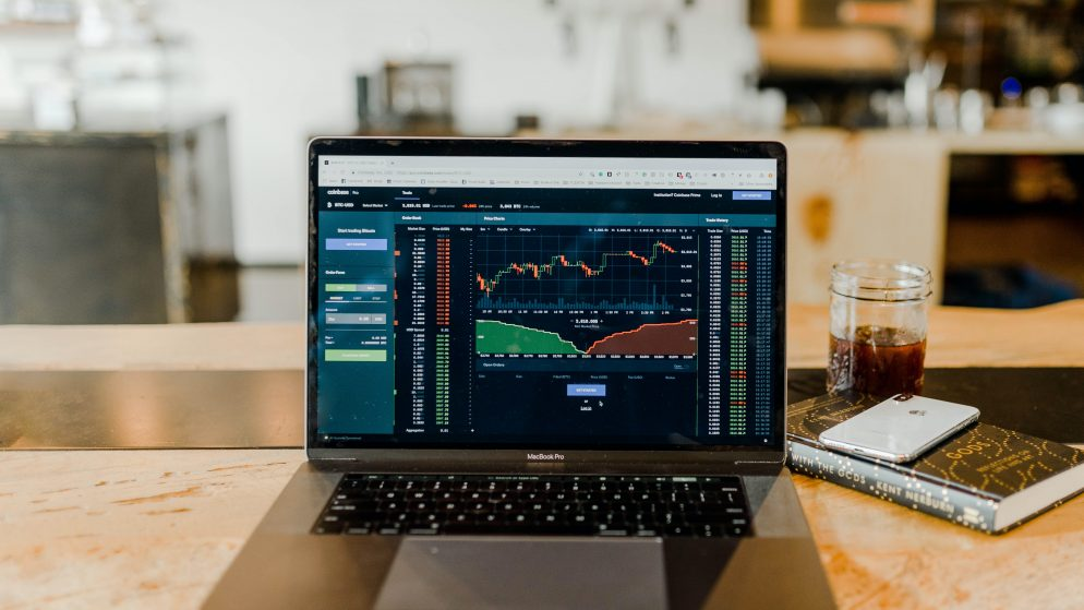 Czym jest rynek Forex i jak na nim handlować?