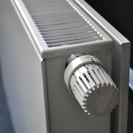 Jakie zalety posiada grzejnik elektryczny przenośny?